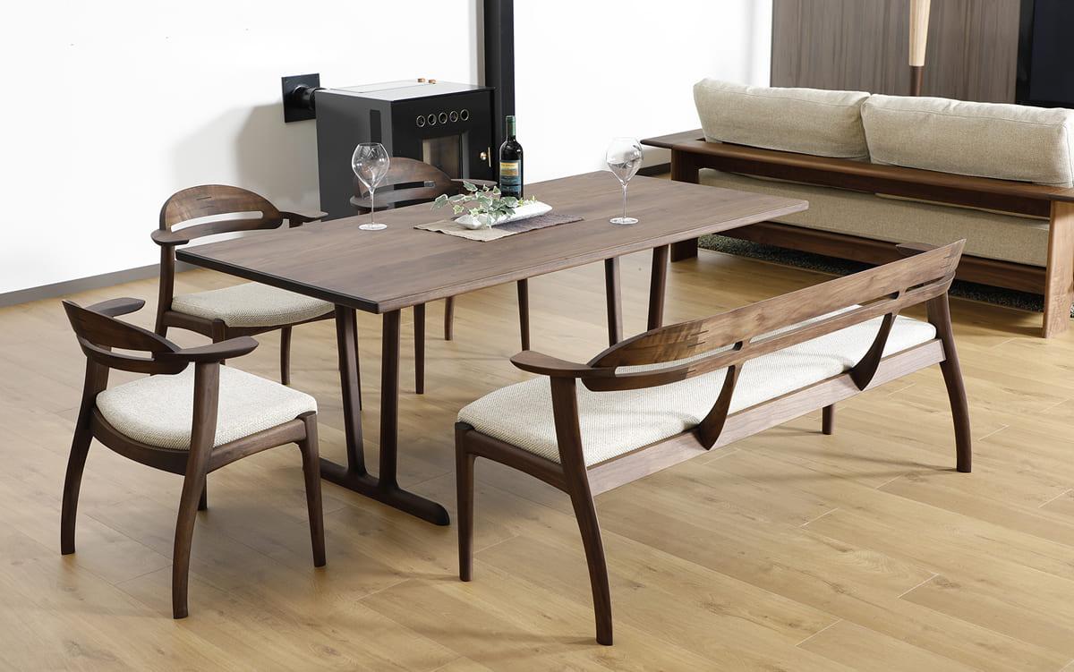 トリノ テーブル